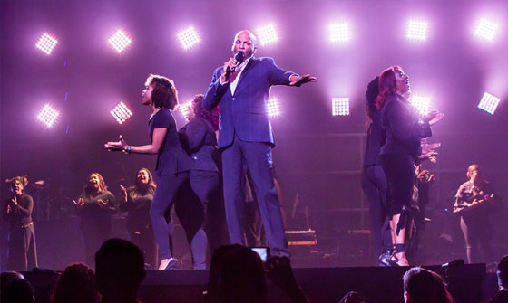Donnie McClurkin On Stage
