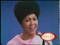 "The Staple Singers – ""There Won't Be No More Ghetto For Me"" live on Jubilee Showcase"